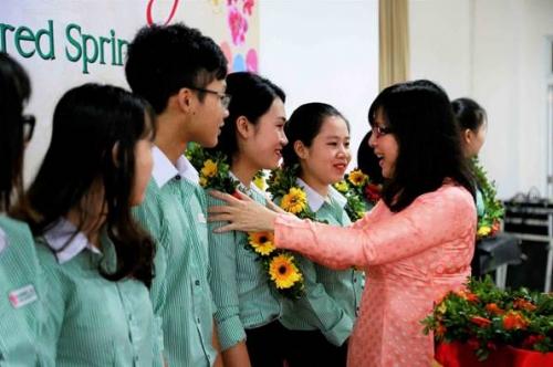 Đại học Đông Á, hỗ trợ vé xe tết cho sinh viên