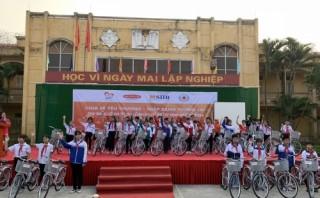 SHB và Dai-Ichi Life Việt Nam trao tặng 330 xe đạp cho học sinh có hoàn cảnh khó khăn