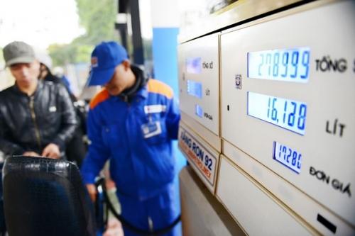 Giữ nguyên giá bán xăng dầu, tăng chi sử dụng Quỹ bình ổn