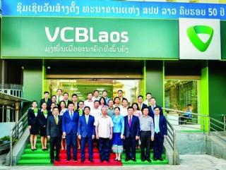 Ngân hàng Việt bước cùng toàn cầu