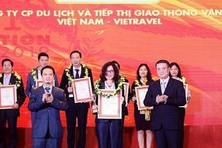 Vietravel đứng đầu 3 bảng xếp hạng Top 10 Công ty Du lịch - Lữ hành