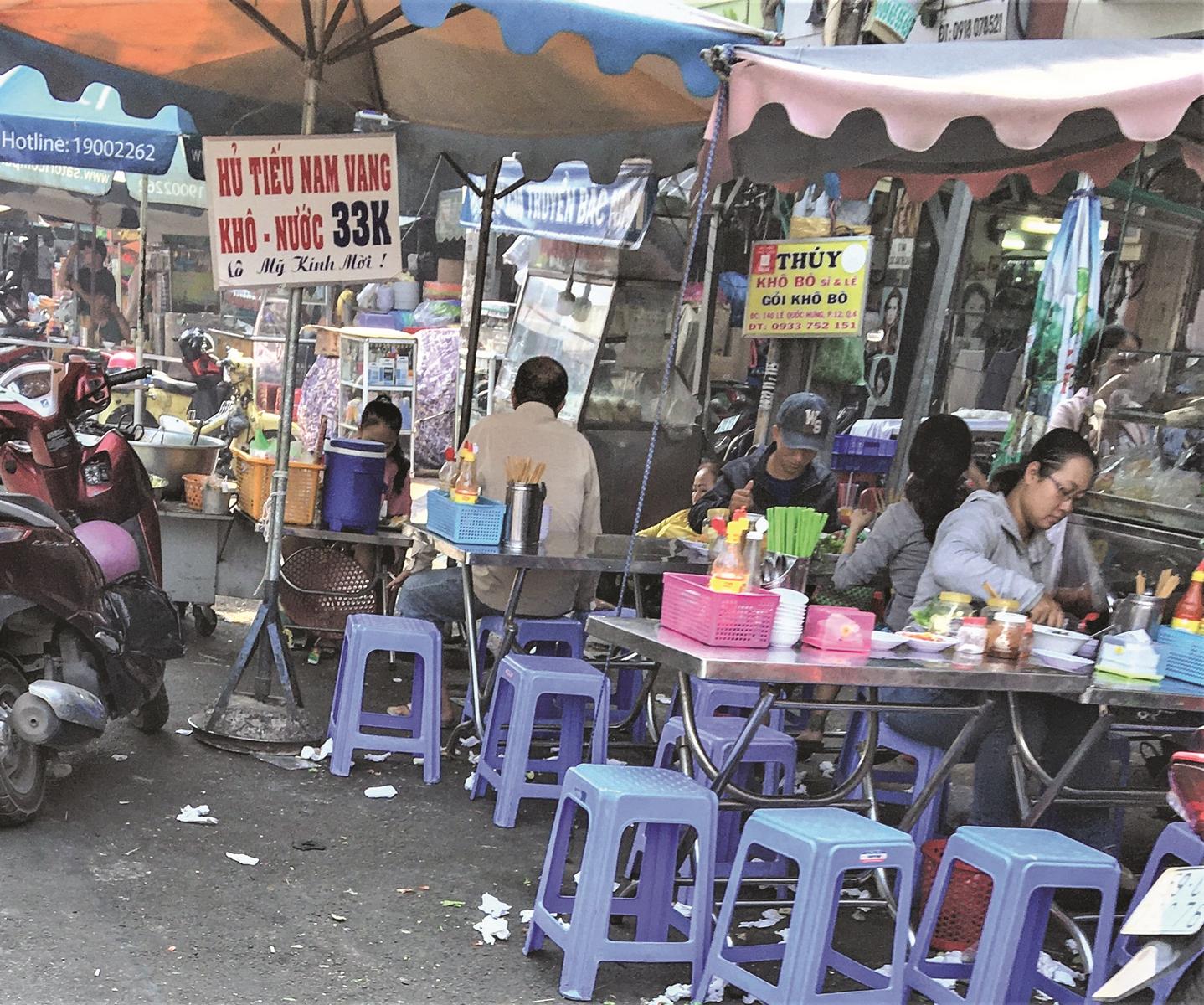 TP.HCM: Thực phẩm đường phố chưa an toàn