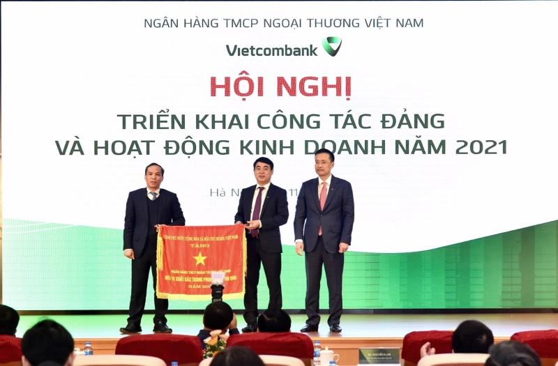 vietcombank trien khai dong bo cac giai phap ho tro doanh nghiep nguoi dan on dinh san xuat kinh doanh