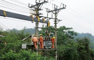 Cấp điện cho vùng sâu, vùng xa bằng năng lượng tái tạo