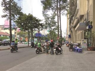 TP. Hồ Chí Minh: Nỗ lực ngầm hóa hệ thống điện và viễn thông