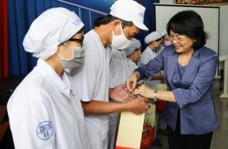 Phó Chủ tịch nước đánh giá cao chính sách của Vinamilk dành cho người lao động