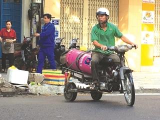Gấp rút tính phương án thu phí khí thải xe máy