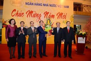 Chủ tịch Quốc hội Nguyễn Sinh Hùng chúc Tết ngành Ngân hàng