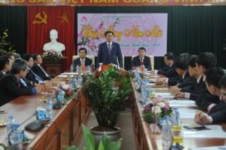 Phó Thủ tướng Vương Đình Huệ thăm, chúc Tết NHCSXH