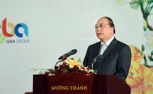 Thủ tướng Nguyễn Xuân Phúc dự Hội nghị gặp mặt các NĐT tại Nghệ An