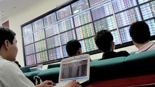 Chứng khoán chiều 8/2: Lực bán dâng cao, VN-Index giảm hơn 17 điểm