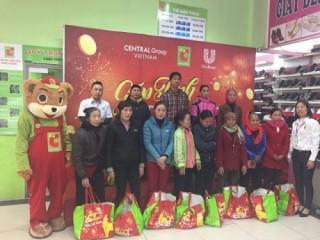 3.600 phần quà đến tay người nghèo trong dịp tết Mậu Tuất