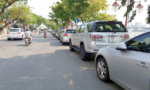 Tăng phí đỗ xe ô tô tại TP.Hồ Chí Minh: Hướng đến quản lý đô thị văn minh