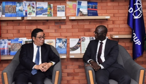 Phó Thống đốc Nguyễn Kim Anh thăm và làm việc với WB