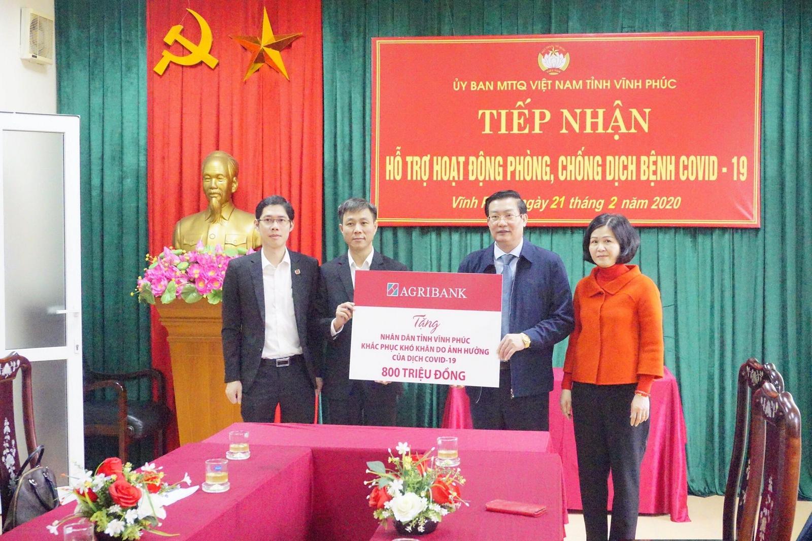 Agribank tặng nhân dân tỉnh Vĩnh Phúc 800 triệu đồng phòng chống dịch Covid-19