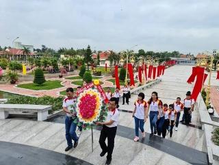 HDBank dâng hương tại các nghĩa trang liệt sỹ trên cả nước ngày 30 Tết Tân Sửu