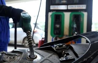 Bộ Giao thông vận tải yêu cầu ngăn chặn vận chuyển, tiêu thụ xăng dầu giả