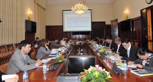 Trao đổi kinh nghiệm về tái cơ cấu NH giữa NHTW 2 nước Việt Nam - Lào