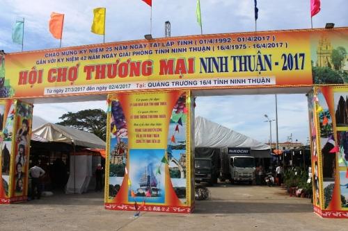 Trên 200 gian hàng tham gia Hội chợ thương mại Ninh Thuận 2017
