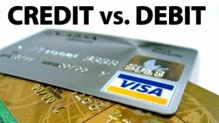 Phân biệt thẻ ghi nợ và thẻ tín dụng