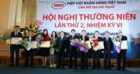 Hiệp hội Ngân hàng trao tặng bằng khen cho các hội viên