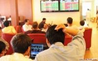 Chứng khoán chiều 22/3: CP vốn hóa lớn phân hóa mạnh, VN-Index vượt đỉnh lịch sử