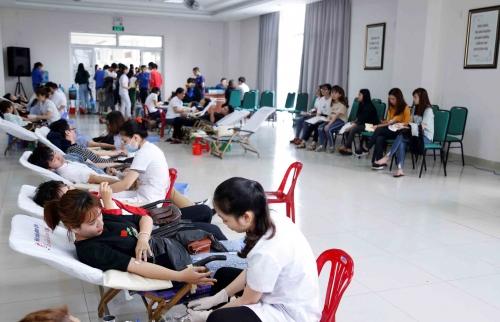 Ngày hội hiến máu tình nguyện ở Đại học Đông Á