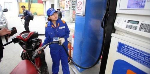 Giá xăng tăng hơn 900 đồng/lít từ 15 giờ chiều nay (2/3)