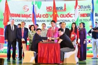 Khai mạc giải Cờ vua quốc tế HDBank lần thứ 9: Ấn tượng và thắm tình đoàn kết