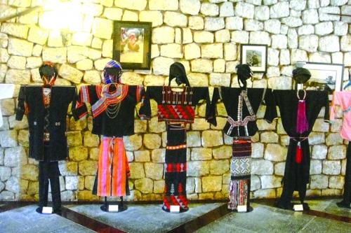 Phát huy trang phục truyền thống trong đời sống đương đại