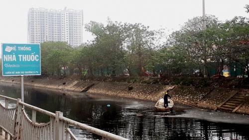Sám hối trước con sông