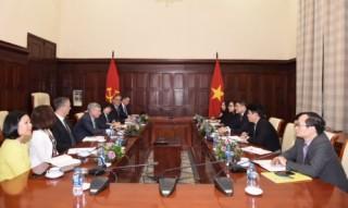 Visa mong muốn tăng cường hợp tác, đẩy mạnh thanh toán điện tử tại Việt Nam