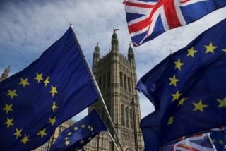 Tương lai Brexit vẫn mịt mờ