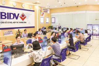 Ngân hàng Việt vươn tầm khu vực