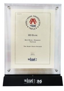 """HDBank đạt giải """"Ngân hàng nội địa tốt nhất Việt Nam"""""""