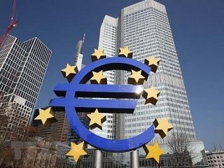 ECB bất ngờ giữ nguyên lãi suất
