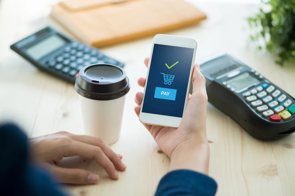 Người tiêu dùng ưu tiên dùng ví điện tử mùa dịch