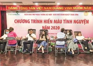 Đoàn thanh niên Vietcombank:Đi đầu trong phòng chống dịch Covid–19