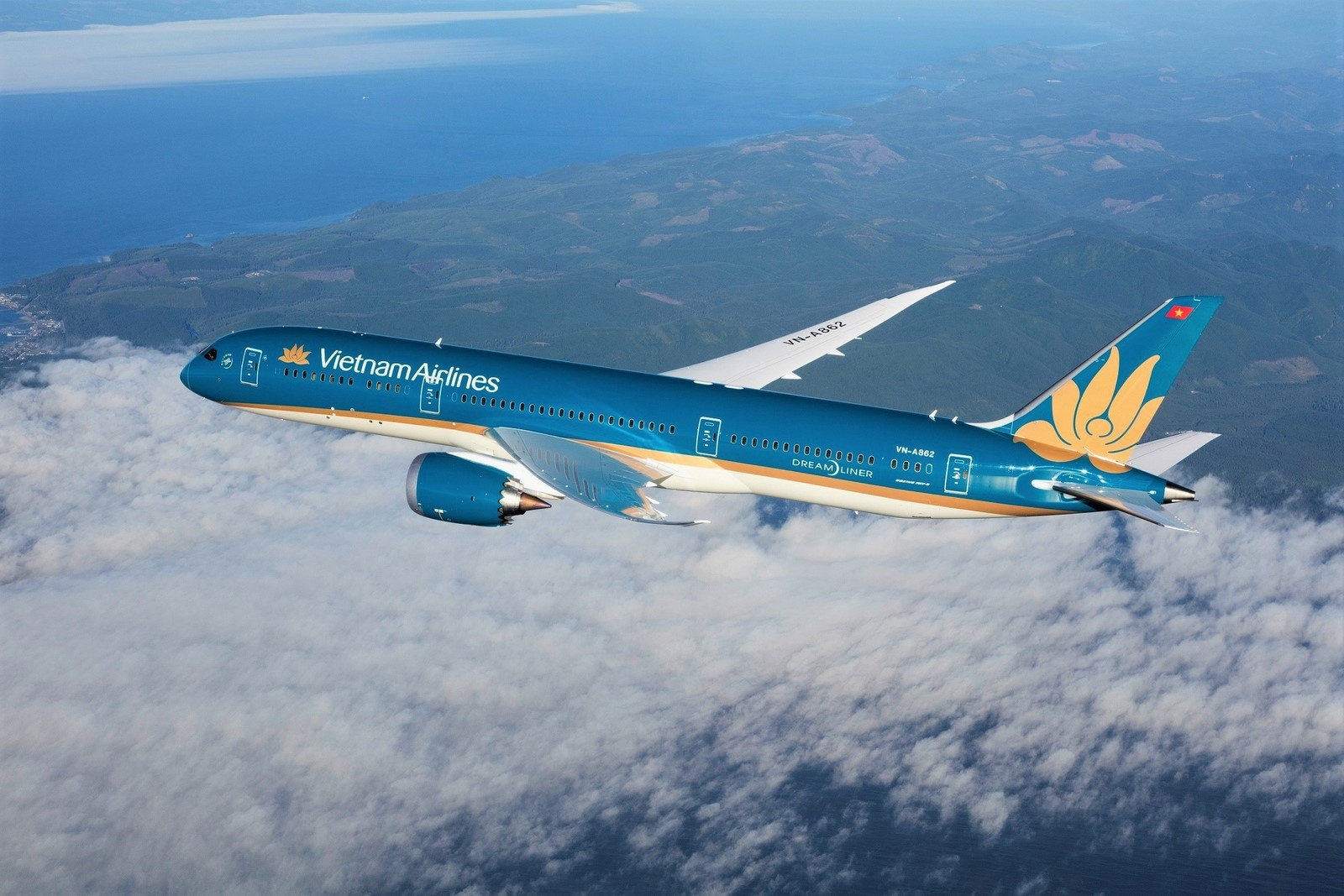 ve may bay dip nghi le 15 vietnam airlines mo ban ve dong gia 90000 dong