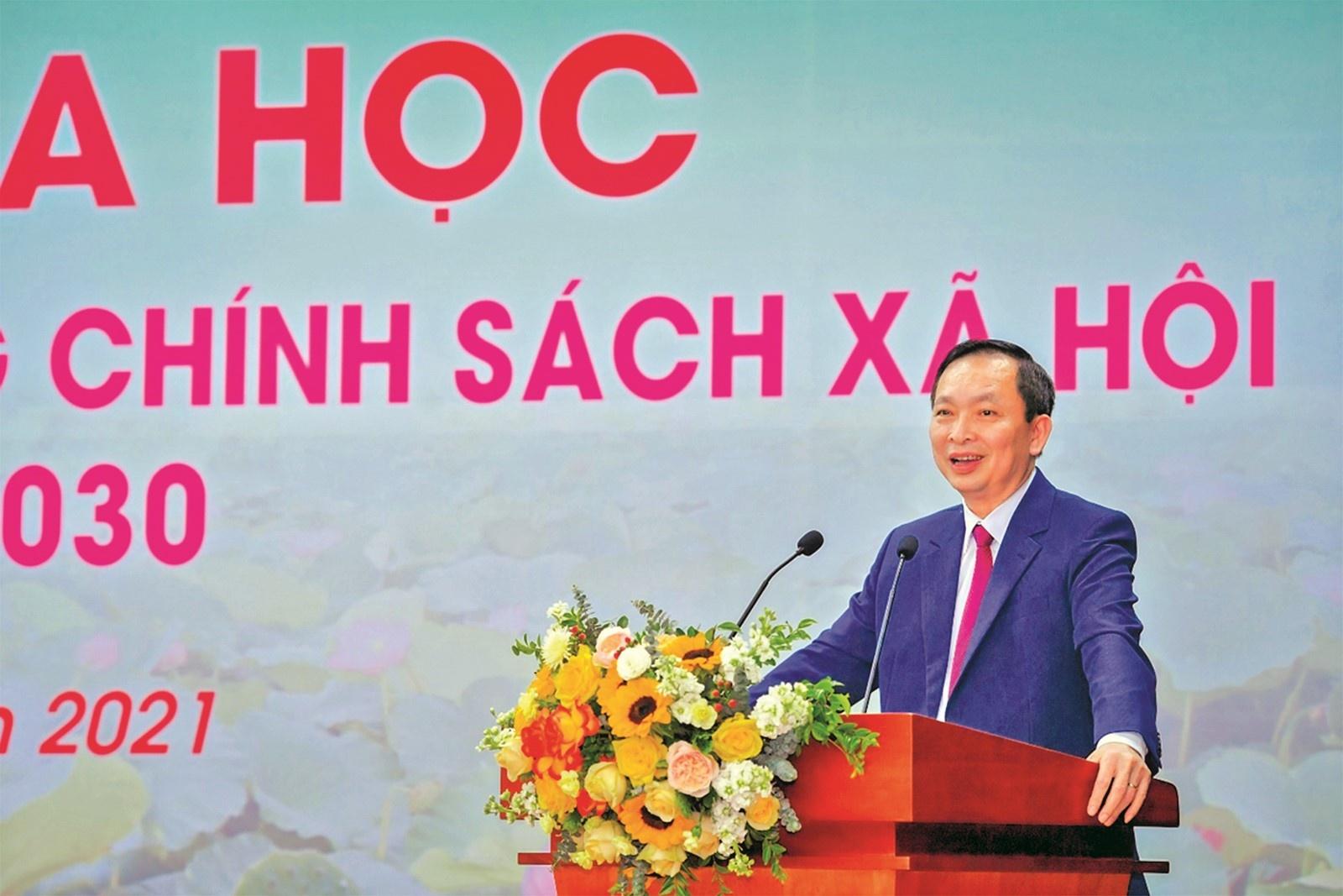 phat trien ngan hang chinh sach xa hoi can dat trong chien luoc tai chinh toan dien