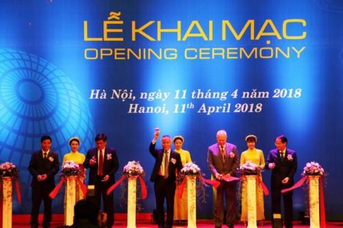 Gần 500 doanh nghiệp tham dự VIETNAM EXPO 2018