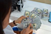 Giá bán USD tại các ngân hàng tiếp tục phổ biến quanh 22.810 đồng/USD
