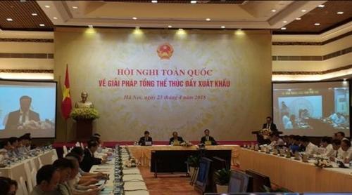 Thủ tướng nêu nhiều câu hỏi lớn để thúc đẩy xuất khẩu