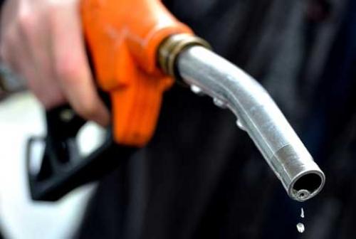 Giá xăng không thay đổi, giá dầu diesel tăng 380 đồng/lít