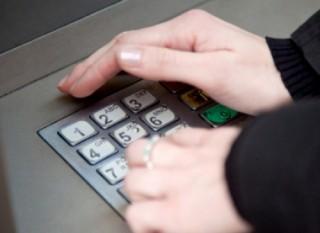 Những lưu ý khi khách hàng làm mất mật khẩu của thẻ ATM
