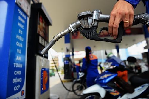 Giá xăng tăng mạnh gần 1.500 đồng/lít từ 17h chiều nay (2/4)