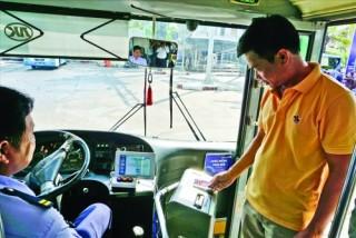 Thẻ thanh toán tự động cho xe buýt còn nhiều hạn chế