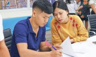 Công chứng sang 'sổ đỏ' cho khách hàng của dự án Quảng Ngãi City Gate