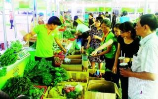 Để người dân được tiếp cận nông sản sạch tốt hơn