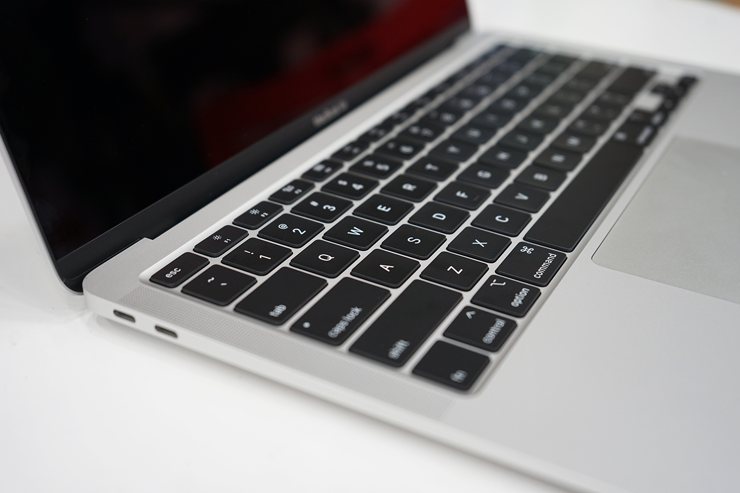 macbook air 2020 dau tien ve viet nam